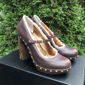 DOLCE & GABBANA Mary Janes heels.